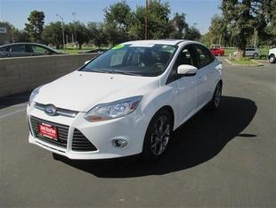 2013 Ford Focus SE Sedan for sale in Bakersfield for $14,678 with 37,399 miles.