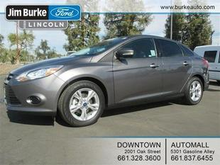 2014 Ford Focus SE Sedan for sale in Bakersfield for $14,782 with 17,855 miles.