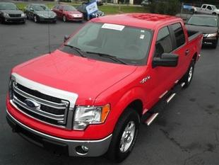 2014 Ford F150 XLT Crew Cab Pickup for sale in Dunn for $34,000 with 11,690 miles.