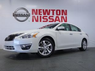 2014 Nissan Altima 2.5 SV Sedan for sale in Gallatin for $19,981 with 23,960 miles.