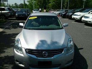 2011 Nissan Altima 2.5 S Sedan for sale in Richmond for $13,990 with 25,517 miles.