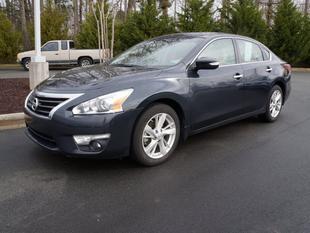 2013 Nissan Altima Sedan for sale in Burlington for $20,500 with 21,672 miles.