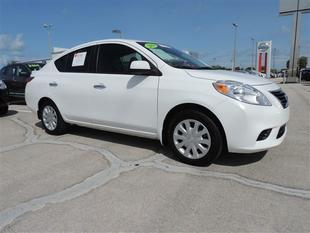 2013 Nissan Versa 1.6 SV Sedan for sale in Venice for $12,500 with 27,487 miles.