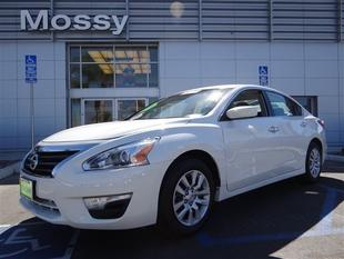 2013 Nissan Altima Sedan for sale in Escondido for $16,995 with 31,744 miles.