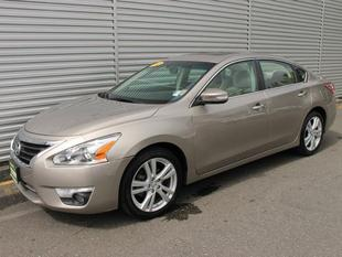 2013 Nissan Altima Sedan for sale in Everett for $22,977 with 4,347 miles.
