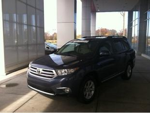 2011 Toyota Highlander Base SUV for sale in Terre Haute for $25,467 with 45,908 miles.