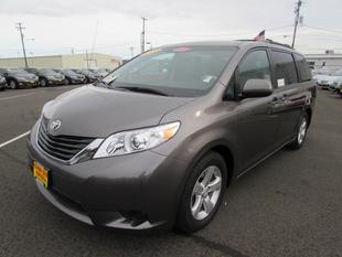 2014 Toyota Sienna Minivan for sale in Coos Bay for $25,297 with 19,170 miles.