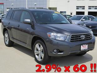 2010 Toyota Highlander SUV for sale in Crystal Lake for $31,650 with 49,126 miles.