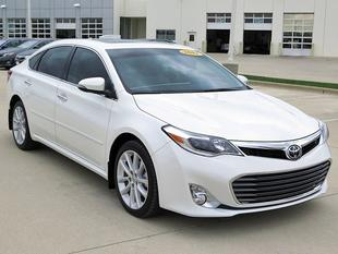 2014 Toyota Avalon Sedan for sale in Crystal Lake for $36,989 with 5,292 miles.