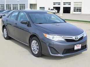 2014 Toyota Camry Sedan for sale in Crystal Lake for $17,989 with 10,596 miles.