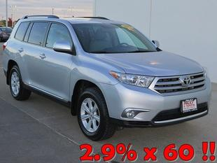 2012 Toyota Highlander SUV for sale in Crystal Lake for $27,989 with 40,211 miles.