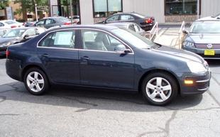 2009 Volkswagen Jetta Sedan for sale in La Crosse for $15,980 with 20,121 miles.