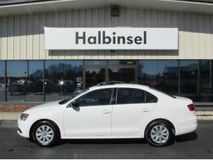 2013 Volkswagen Jetta Base Sedan for sale in Escanaba for $15,995 with 14,470 miles.