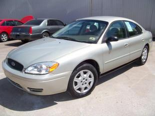 2007 Ford Taurus SE Sedan for sale in Houston for $5,900 with 89,384 miles.