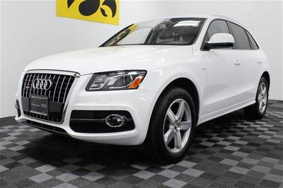 2012 Audi Q5 SUV for sale in Iowa City for $40,000 with 14,061 miles.