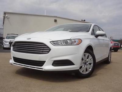 2013 Ford Fusion S Sedan for sale in Chattanooga for $19,877 with 8,557 miles.