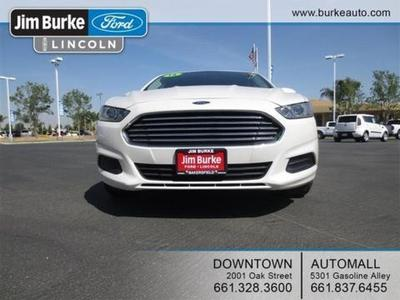 2013 Ford Fusion SE Sedan for sale in Bakersfield for $19,973 with 33,794 miles.