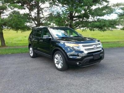 2013 Ford Explorer XLT SUV for sale in Elizabethtown for $28,996 with 35,062 miles.