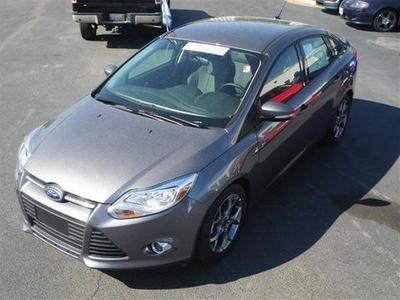 2014 Ford Focus SE Sedan for sale in Dunn for $18,900 with 4,032 miles.