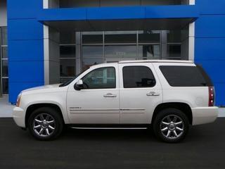 2011 GMC Yukon SUV for sale in Venice for $45,984 with 17,673 miles.