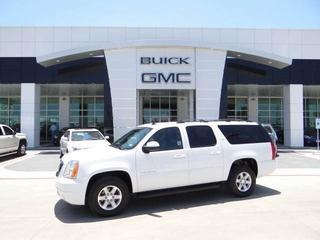 2014 GMC Yukon XL SUV for sale in San Antonio for $36,925 with 31,497 miles.