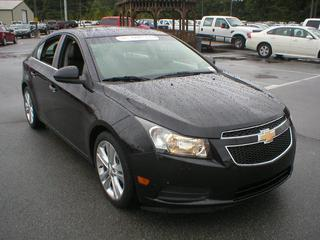 Chevrolet Cruze From A Car Lot In Jacksonville AR