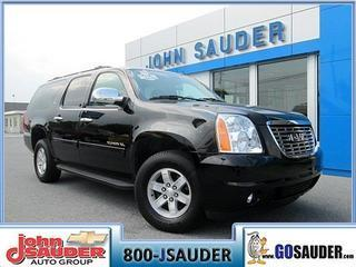 2013 GMC Yukon XL SUV for sale in New Holland for $43,500 with 20,963 miles.