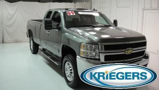 2009 Chevrolet Silverado 3500 Crew Cab Pickup for sale in Muscatine for $31,950 with 57,850 miles.