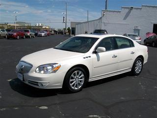 2011 Buick Lucerne Sedan for sale in Bowling Green for $21,991 with 37,061 miles.