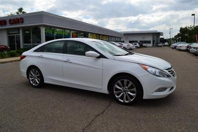 2013 Hyundai Sonata SE Sedan for sale in Livonia for $19,951 with 14,920 miles.