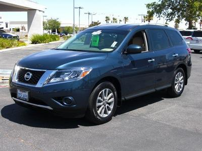 2014 Nissan Pathfinder SV SUV for sale in Palmdale for $28,884 with 5,537 miles.