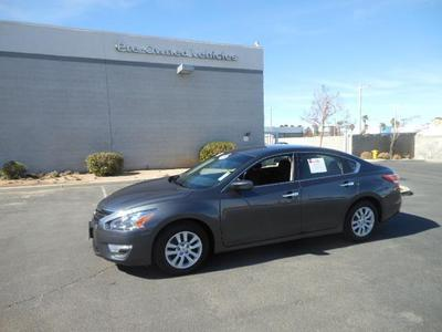 2013 Nissan Altima Sedan for sale in Palmdale for $17,999 with 26,202 miles.