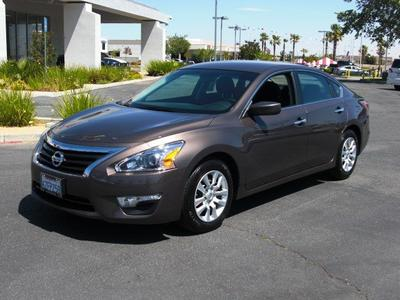 2014 Nissan Altima Sedan for sale in Palmdale for $20,484 with 3,416 miles.