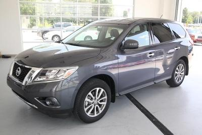 2013 Nissan Pathfinder S SUV for sale in Manchester for $24,288 with 13,144 miles.