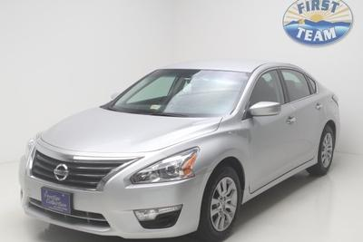 2014 Nissan Altima Sedan for sale in Roanoke for $20,088 with 11,584 miles.