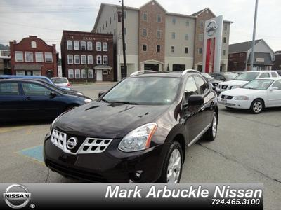 2013 Nissan Rogue SV SUV for sale in Indiana for $22,950 with 35,767 miles.