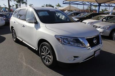 2014 Nissan Pathfinder SV SUV for sale in Hemet for $27,500 with 11,637 miles.