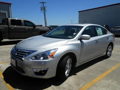 2013 Nissan Altima 2.5 SL Sedan for sale in Angleton for $23,991 with 27,960 miles.