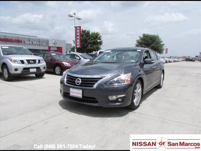 2013 Nissan Altima 3.5 SV Sedan for sale in San Marcos for $22,988 with 17,357 miles.