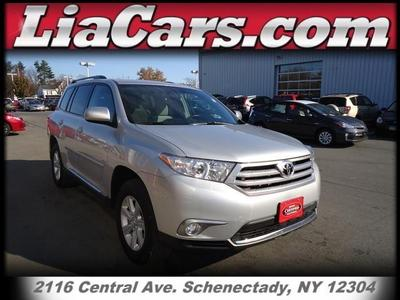 Toyota Highlander From A Car Lot In Schenectady NY