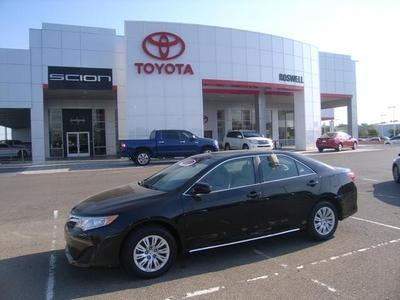 2013 Toyota Camry Sedan for sale in Roswell for $20,899 with 31,866 miles.