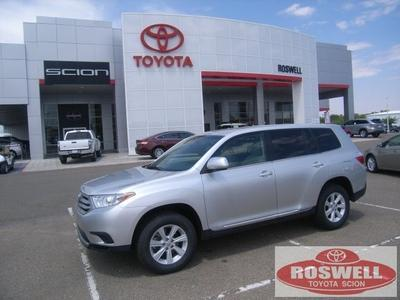 2013 Toyota Highlander SUV for sale in Roswell for $27,500 with 33,117 miles.