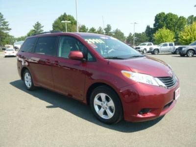 2014 Toyota Sienna Minivan for sale in Kennewick for $28,982 with 9,040 miles.