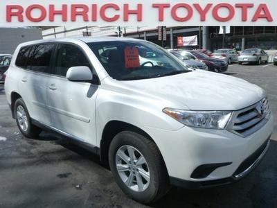 2013 Toyota Highlander SUV for sale in Pittsburgh for $27,854 with 10,593 miles.