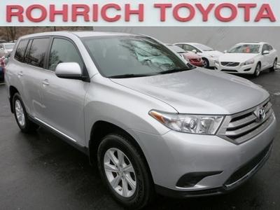 2013 Toyota Highlander SUV for sale in Pittsburgh for $28,499 with 15,452 miles.