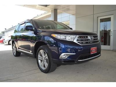 2013 Toyota Highlander SUV for sale in West Roxbury for $36,200 with 6,215 miles.