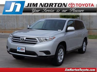 2013 Toyota Highlander SUV for sale in Tulsa for $26,993 with 31,016 miles.
