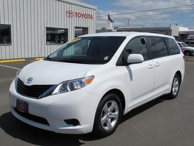 2014 Toyota Sienna Minivan for sale in Coos Bay for $29,987 with 16,936 miles.