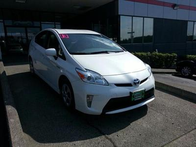 2013 Toyota Prius Hatchback for sale in Vancouver for $22,701 with 39,080 miles.