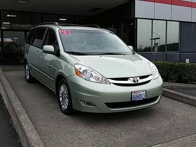 2009 Toyota Sienna XLE Limited Minivan for sale in Vancouver for $33,490 with 54,571 miles.
